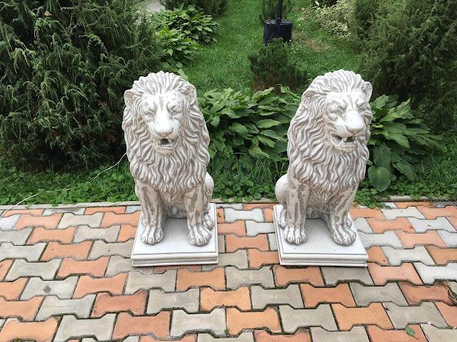 Садовые скульптуры и фонтаны